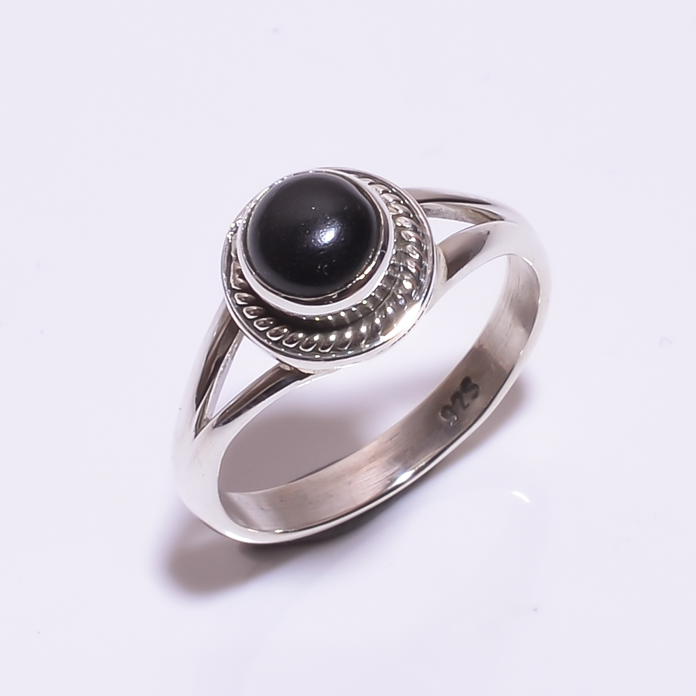 925 STERLING SILVER ONYX BEAUTIFUL RING